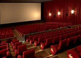 اکران خاموشی بر پرده سینما هلال اهواز، فعالان هنری نگران هستند