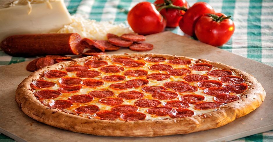 پیتزا پپرونی ایتالیایی سولیکو با سس مارینارا