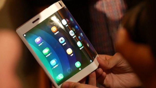 تاشو بودن نمایشگر گوشی کافی نیست!