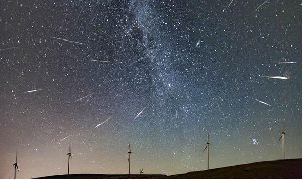 رویدادهای نجومی آبان ماه با رصد زحل و بارش شهابی