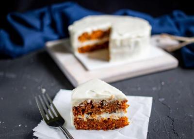 طرز تهیه خوشمزه ترین کیک هویج با پنیر خامه ای و طرز تهیه سس سیب