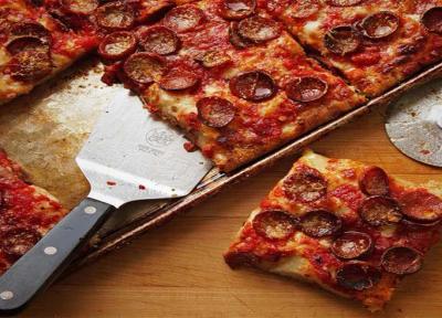 طرز تهیه پیتزا سیسیلی با پپرونی، موزارلا و سس تند