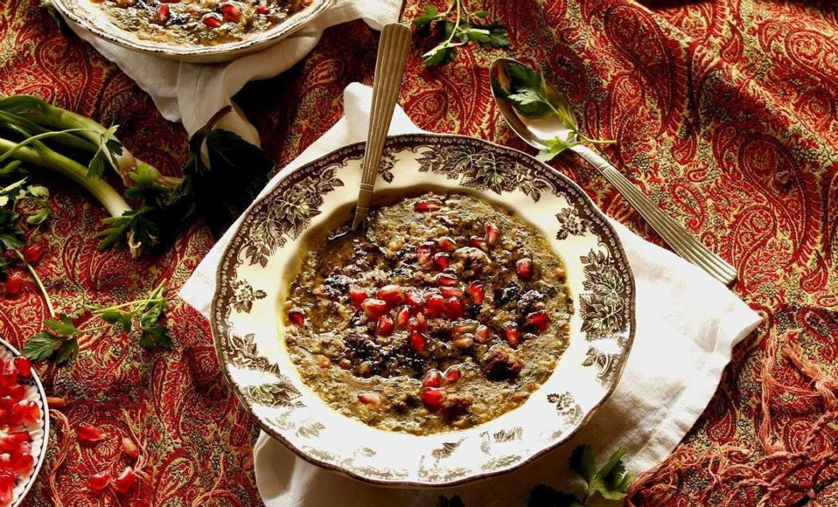 2 طرز تهیه آش انار شب یلدا با گوشت چرخ نموده و بدون گوشت