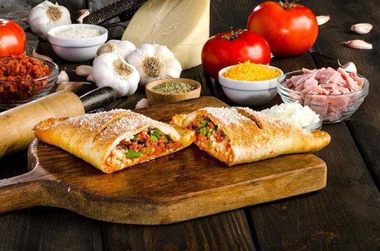 طرز تهیه پیتزا ایتالیایی چیکن کالزونه