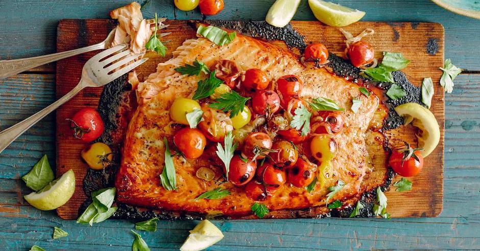 طرز تهیه ماهی سالمون با گوجه فرنگی گیلاسی