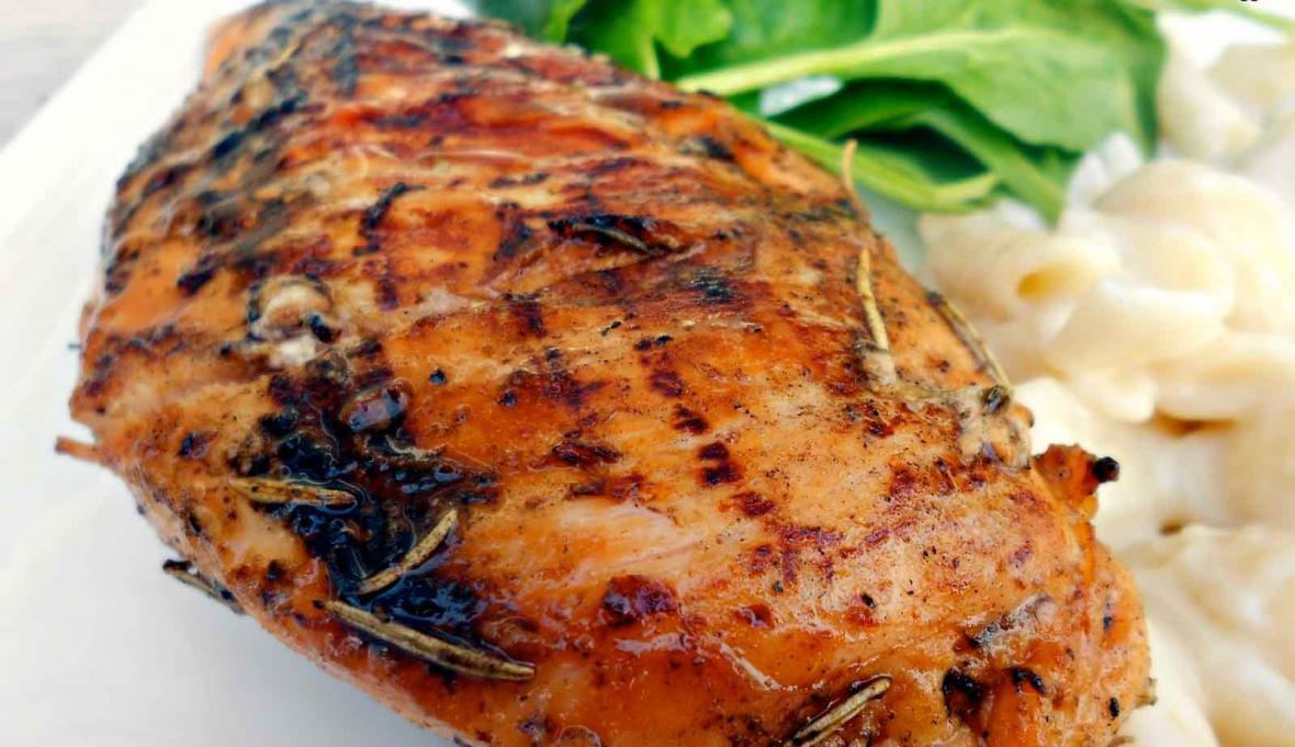 طرز تهیه مرغ گریل با سس خردل و عسل