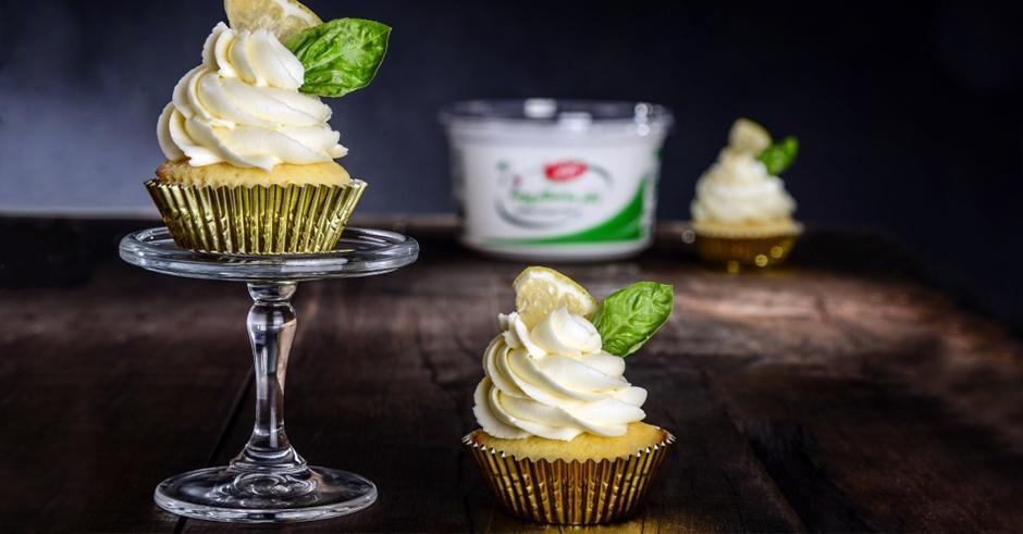 طرز تهیه کیک ماسکارپونه لیمویی