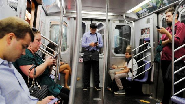 استفاده از شبکه های اجتماعی قطعا بر سلامت روان تاثیر می گذارد