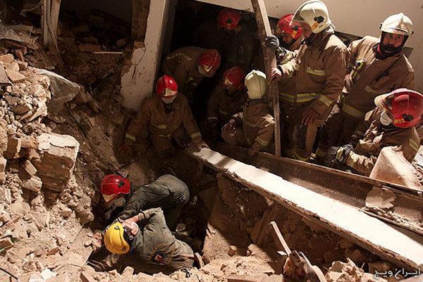 3 نفر توسط آتش نشانان همدانی نجات یافتند