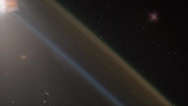 فیلمی شگفت انگیز از لحظه پرتاب فضاپیما از فضا