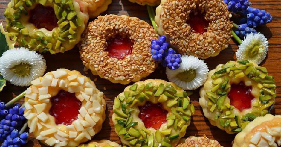 طرز تهیه شیرینی خشک آلمانی مجلسی با نوتلا یا مارمالاد برای عید