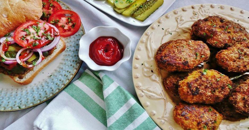 طرز تهیه کتلت مرغ زعفرانی خوشمزه