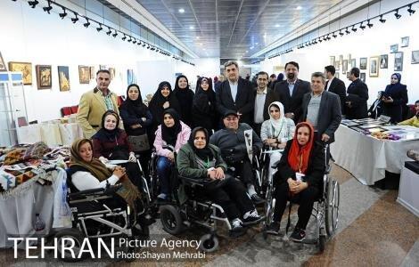 حناچی: آثار زنان هنرمند دارای معلولیت شناسنامه دار می شود