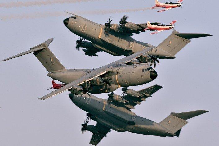 عکس روز ، 6 هواپیما در یک قاب
