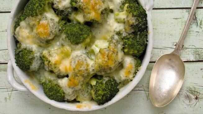 طرز تهیه خوراک بروکلی با طعم سیر و پنیر