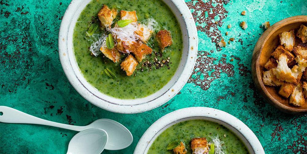 طرز تهیه سوپ کاهو ؛ یک غذای لاغر کننده