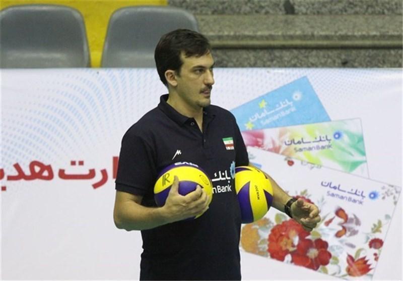 مربی ایران، سرمربی اکسپریویا مولفه تا می ماند