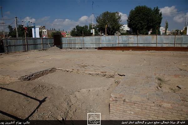 سردر عالی قاپوی اردبیل بر روی پی های تاریخی آن احیا می گردد