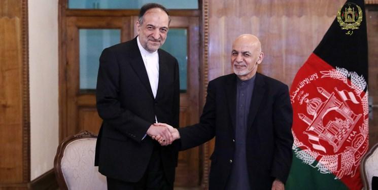 بهادر امینیان پایدار نامه خود را تقدیم رییس جمهور افغانستان کرد