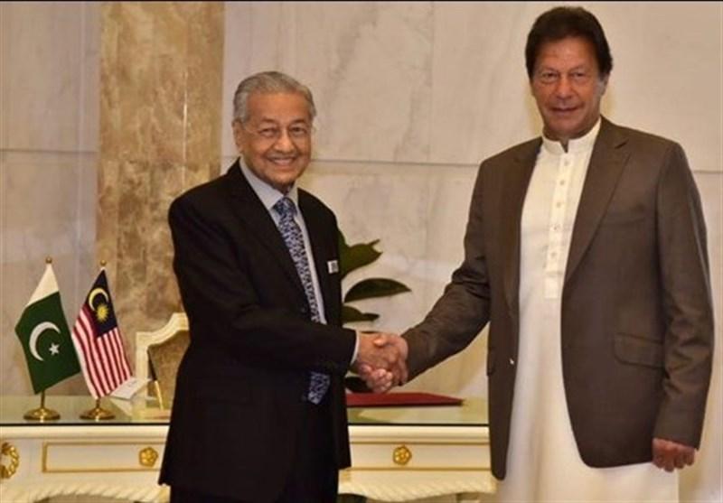 عمران خان: علی رغم فشارهای خارجی در اجلاس آینده کنفرانس اسلامی مالزی شرکت می کنم