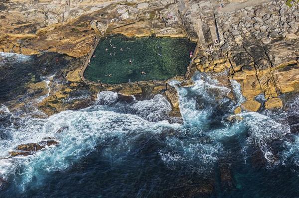 استخر هایی که از صخره و اقیانوس ساخته شده اند!
