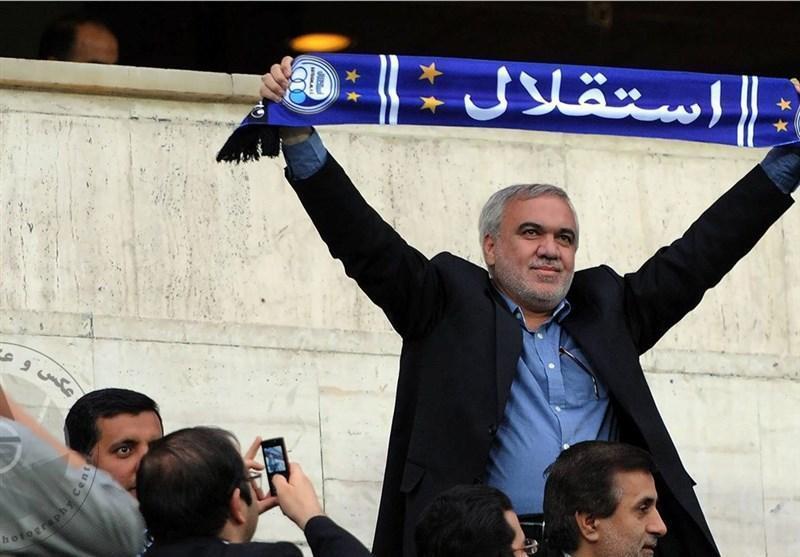 فتح الله زاده کناره گیری کرد، باشگاه استقلال مخالفت کرد