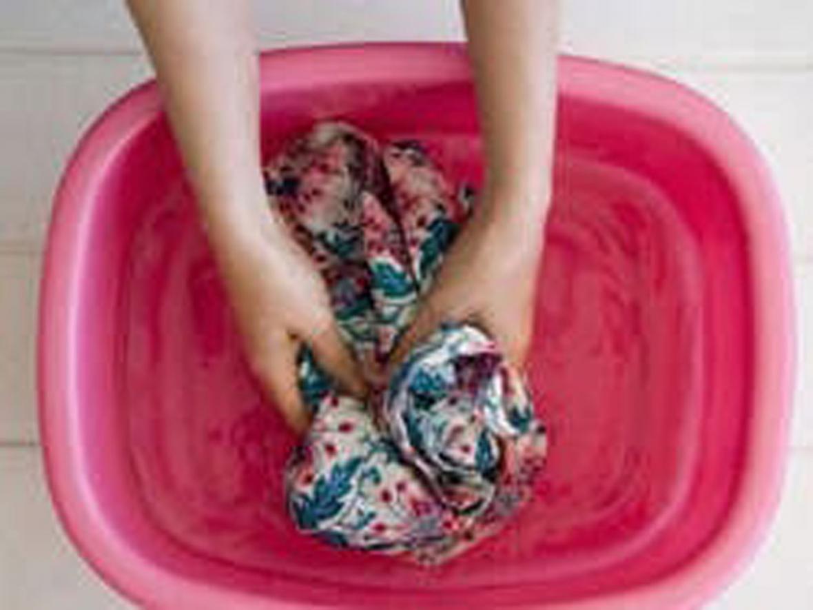 آشنایی با شستشوی لباس های مخصوص خشکشویی در خانه