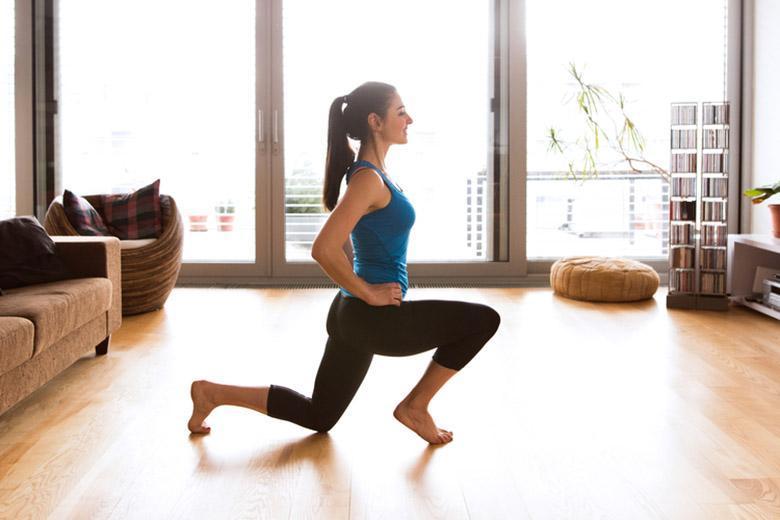 در روزهای قرنطینه کرونا، چگونه بدن خودمان را با تمرین های ورزشی مناسب در خانه، آماده نگه داریم؟