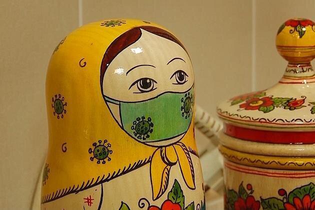 ماتروشکا، عروسک های سنتی روسیه هم ماسک زدند