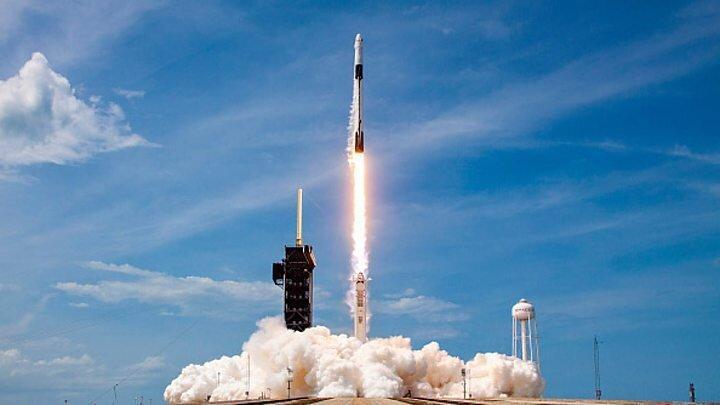 فیلم، بازگشت دیدنی موشک فالکون 9 به کره زمین