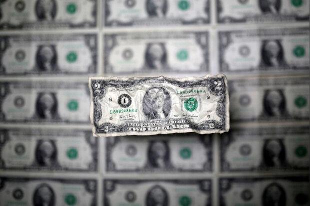 ادامه سقوط ارزش دلار در بازارهای جهانی