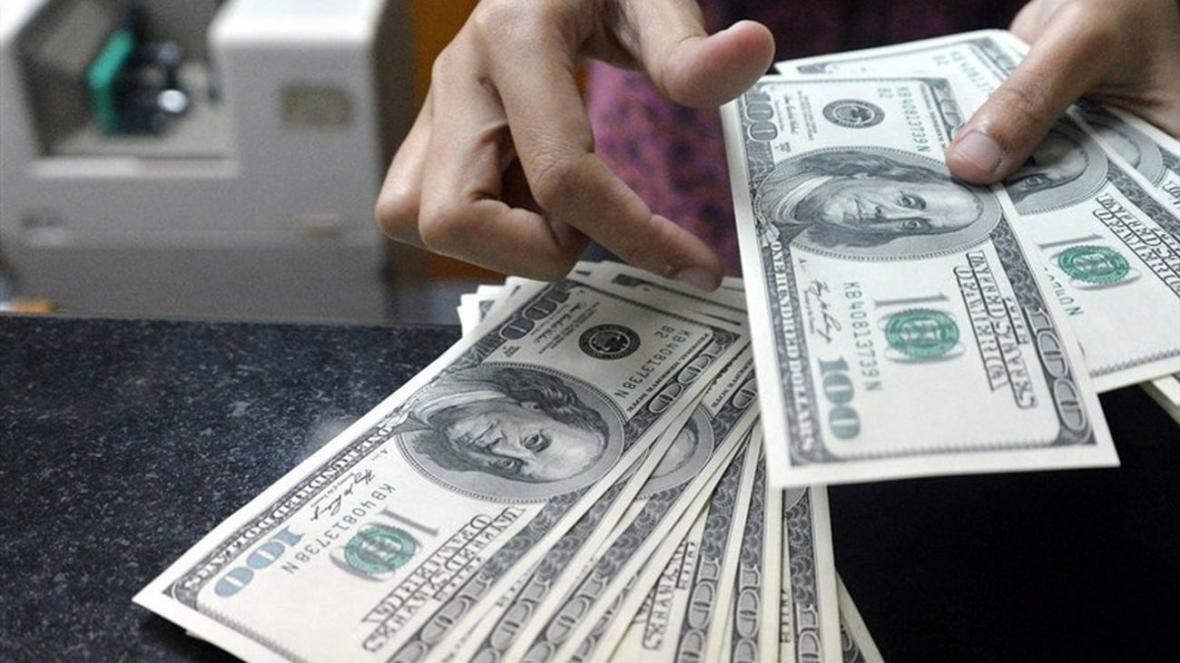صرافی ملی نرخ دلار را 22700 گفت