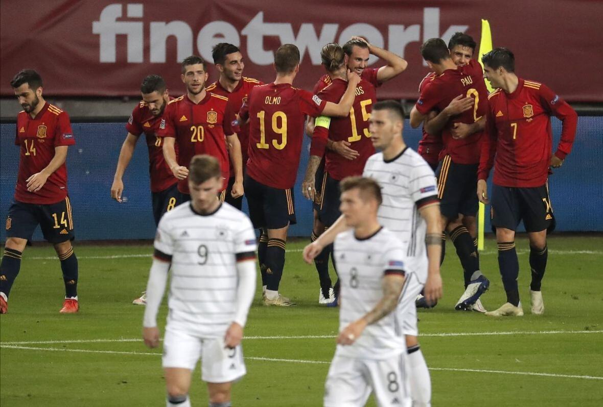 تحقیر آلمان مقابل لاروخا در بازی مرگ و زندگی، پیروزی فرانسه و پرتغال مقابل حریفان