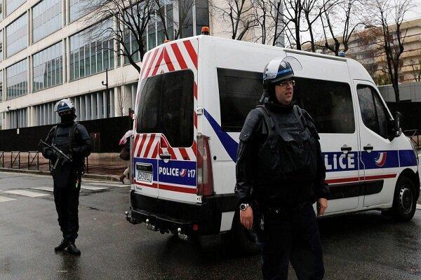 مظنونان به ارتکاب 2 حمله تروریستی در فرانسه بازداشت شدند