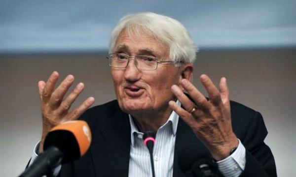 فیلسوف آلمانی جایزه کتاب الشیخ زاید را به امارات پس داد