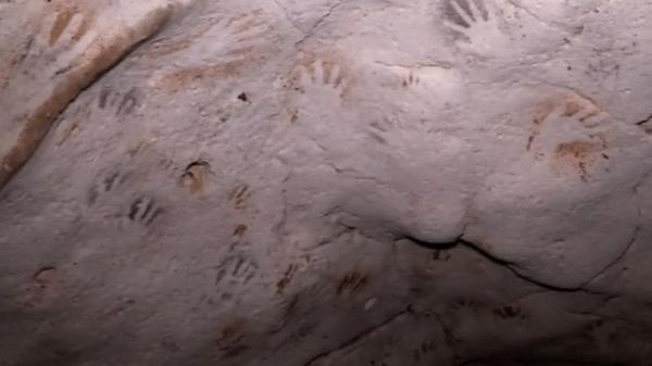 دست های مرموز 1200 ساله؛ رد این دست ها متعلق به کیست؟
