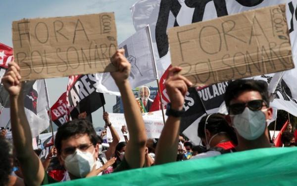 مردم برزیل علیه واکنش رئیس جمهورشان به کووید 19 دست به اعتراضات سراسری زدند