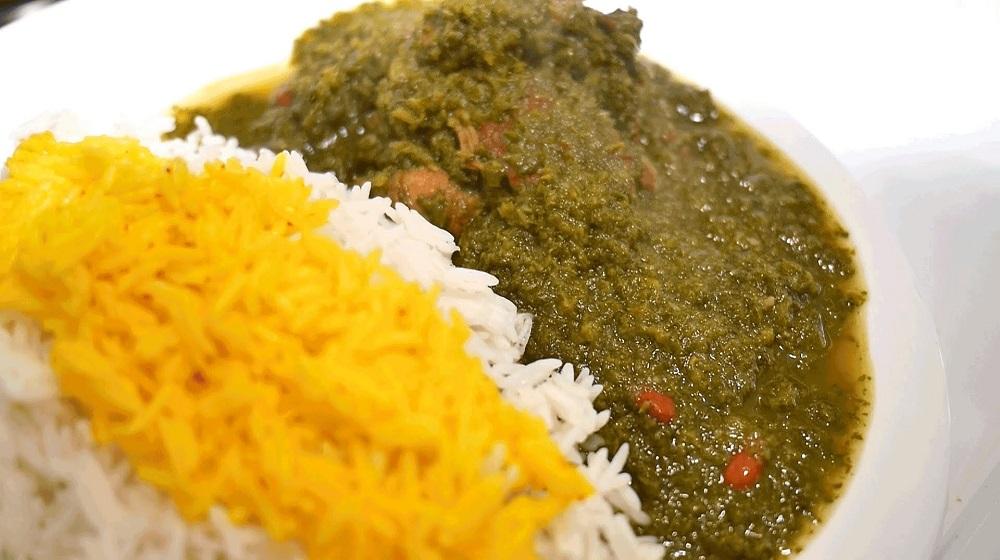 طرز تهیه قورمه سبزی یک غذای اصیل ایرانی