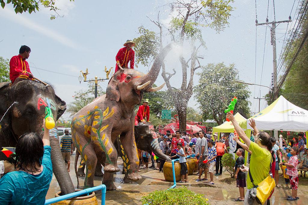 در مورد جشن آب تایلند بیشتر بدانید